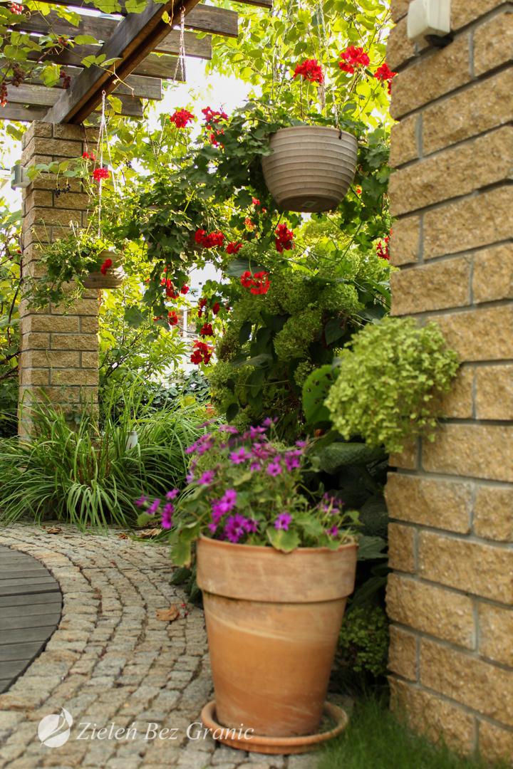 Elementy dopełniające aranżację ogrodu klasycznego.
