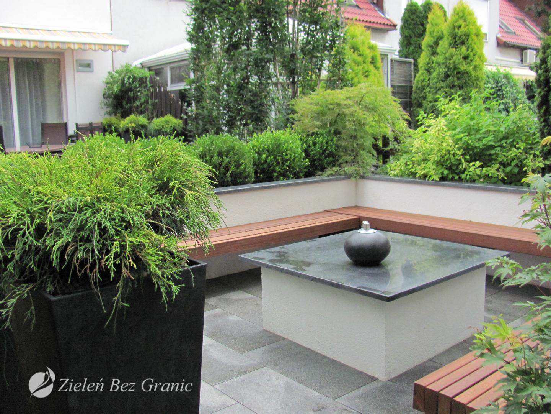 Miejski ogród w nowoczesnym stylu.