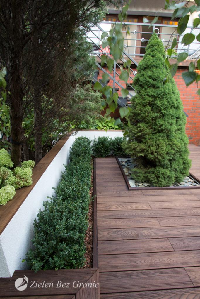 Projekt przygotowany został w oparciu o istniejąca zieleń.