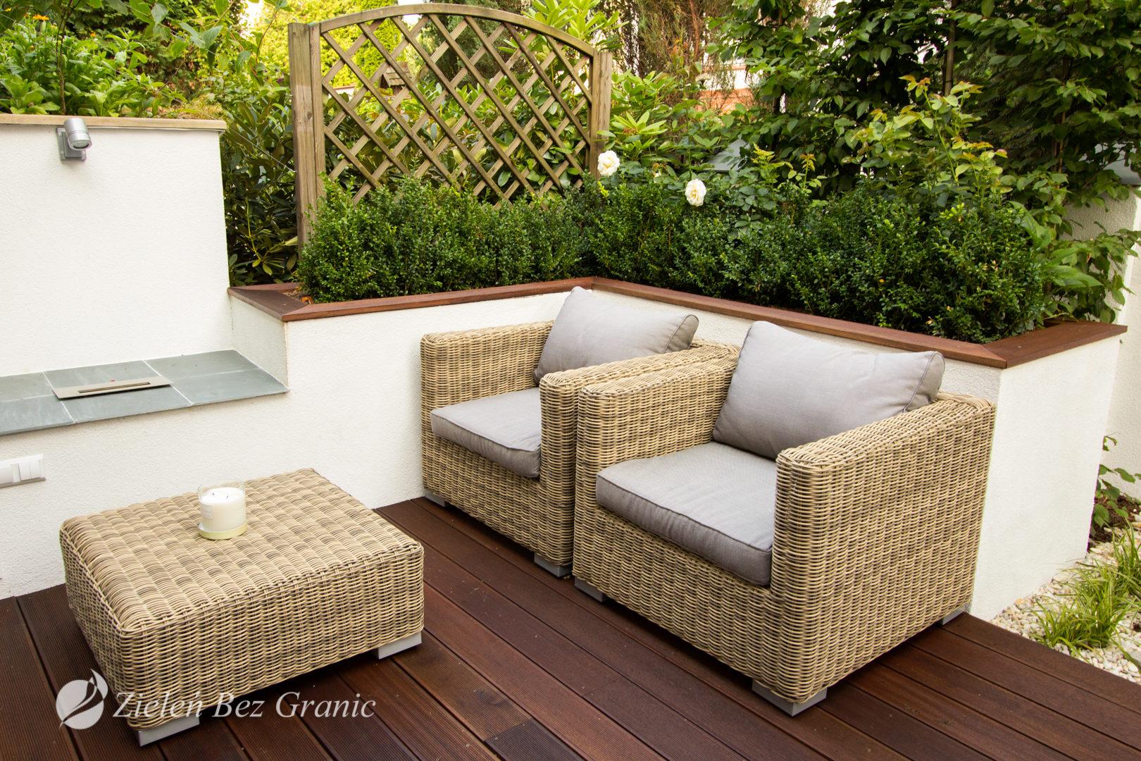 Kameralny wypoczynek w ogródku.